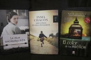 Foto 3. Nuevos libros. Cargada con libros