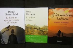 Foto 1. Libros nuevos. Cargada con libros