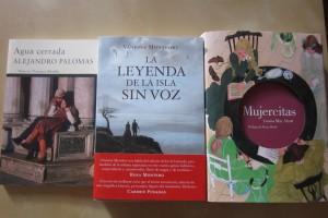 Agua cerrada de Alejandro Palomas, La leyenda de la isla sin voz de Vanessa Montfort y Mujercitas